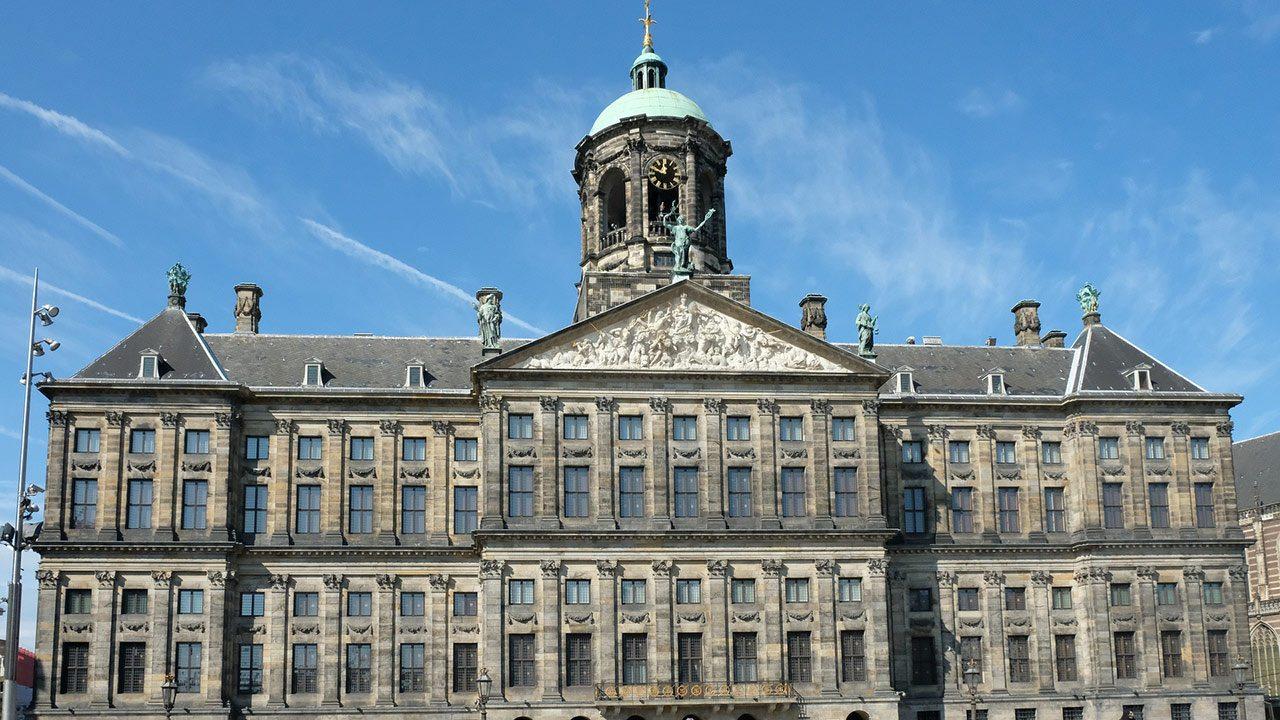 4 انشطة سياحية يمكن القيام بها بالقصر الملكي في أمستردام